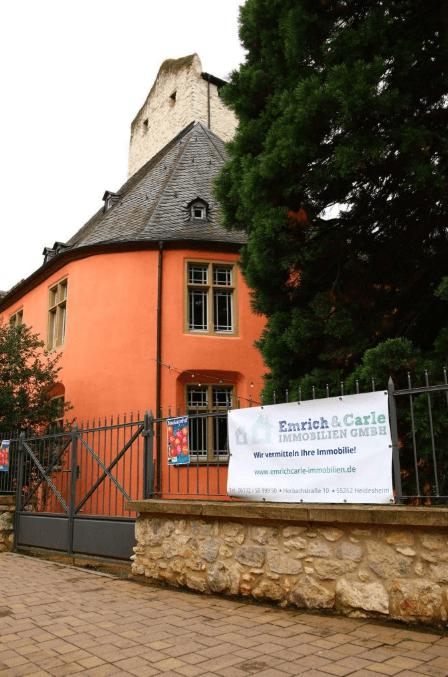 Banner vor Burg Windeck