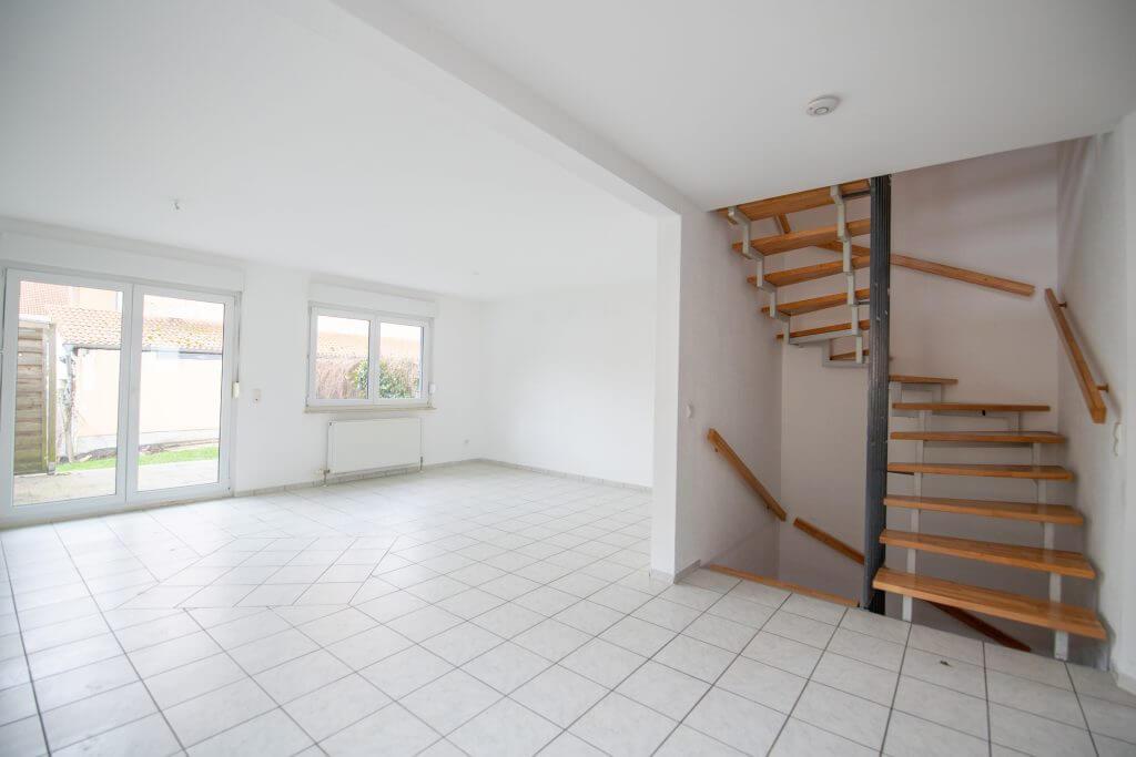 Wohnzimmer-Treppenhaus